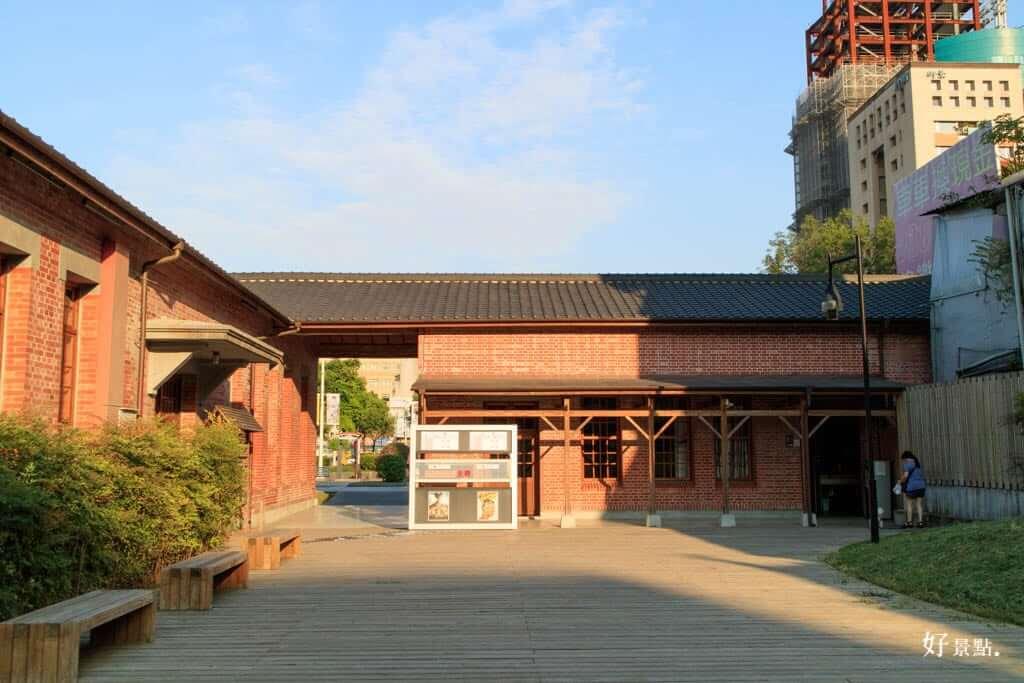 |台北。萬華|西本願寺廣場-藏身在西門町的日式建築遺跡、鐘樓!