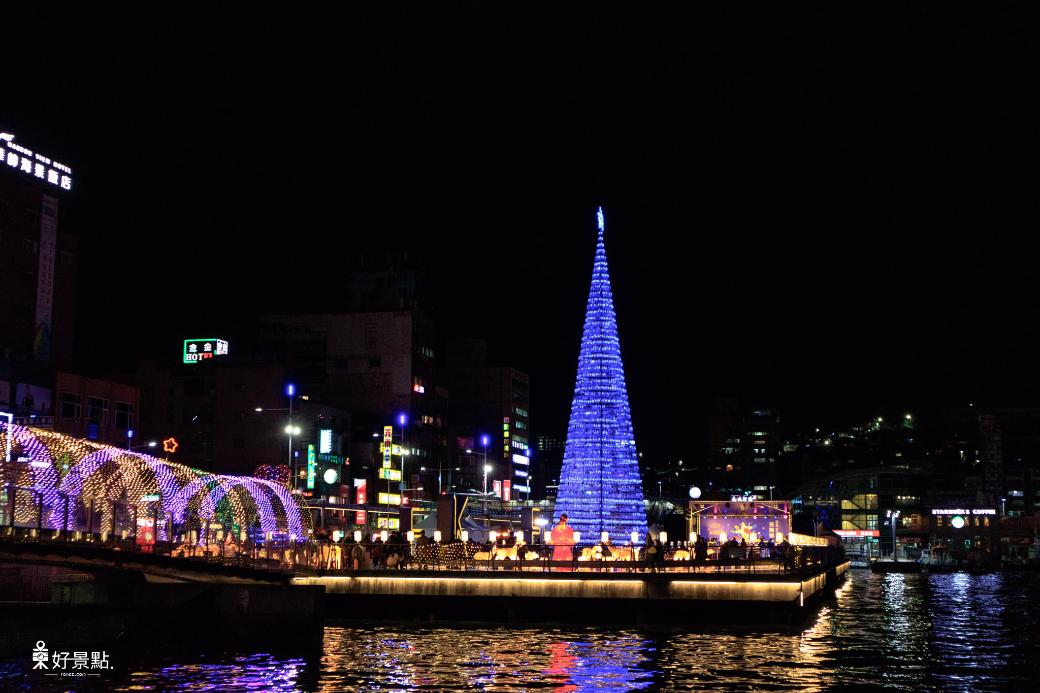 |基隆。仁愛|海洋廣場-海洋寶特瓶環保聖誕樹