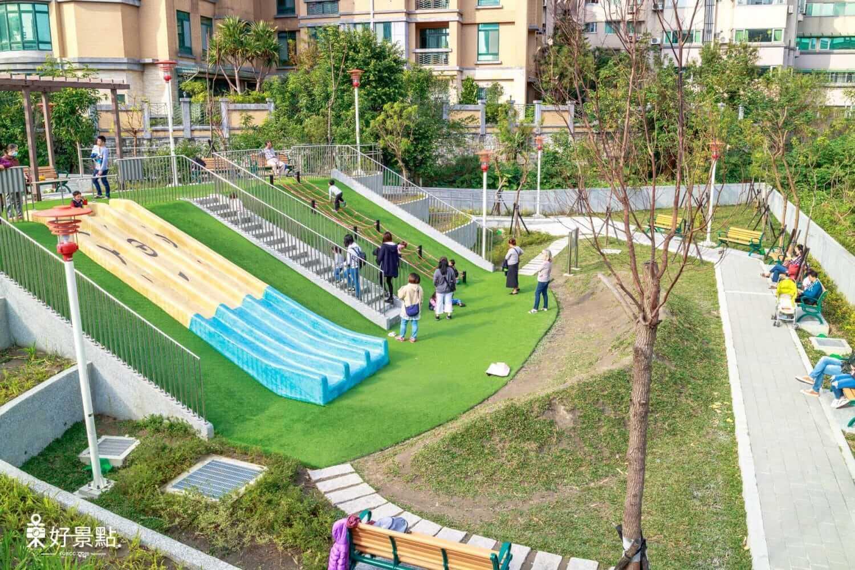 富貴綠地公園-新北特色公園!小小兵溜滑梯
