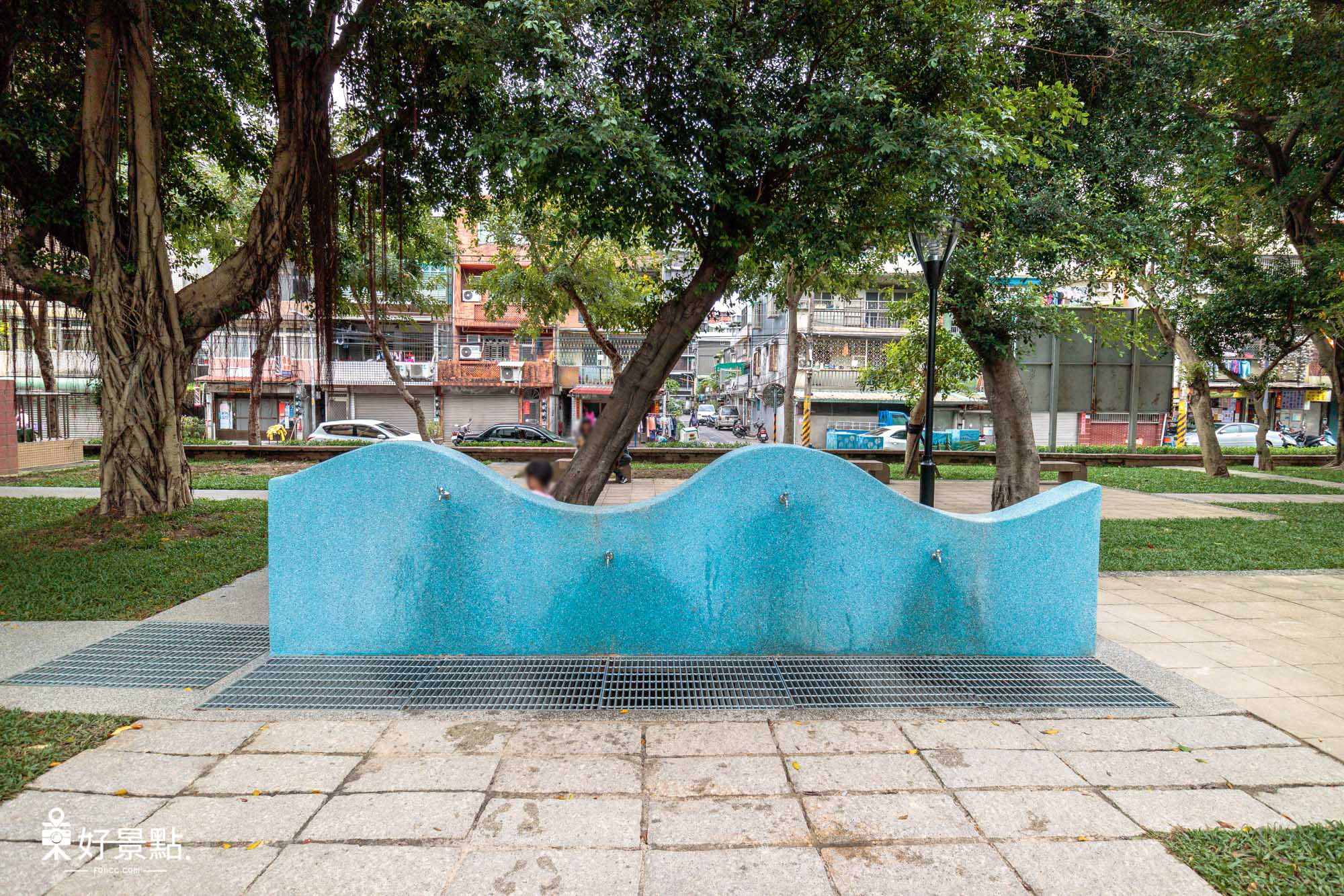 |新北。板橋|溪北生態休閒公園-Q版章魚造型磨石子溜滑梯、沙坑、鞦韆