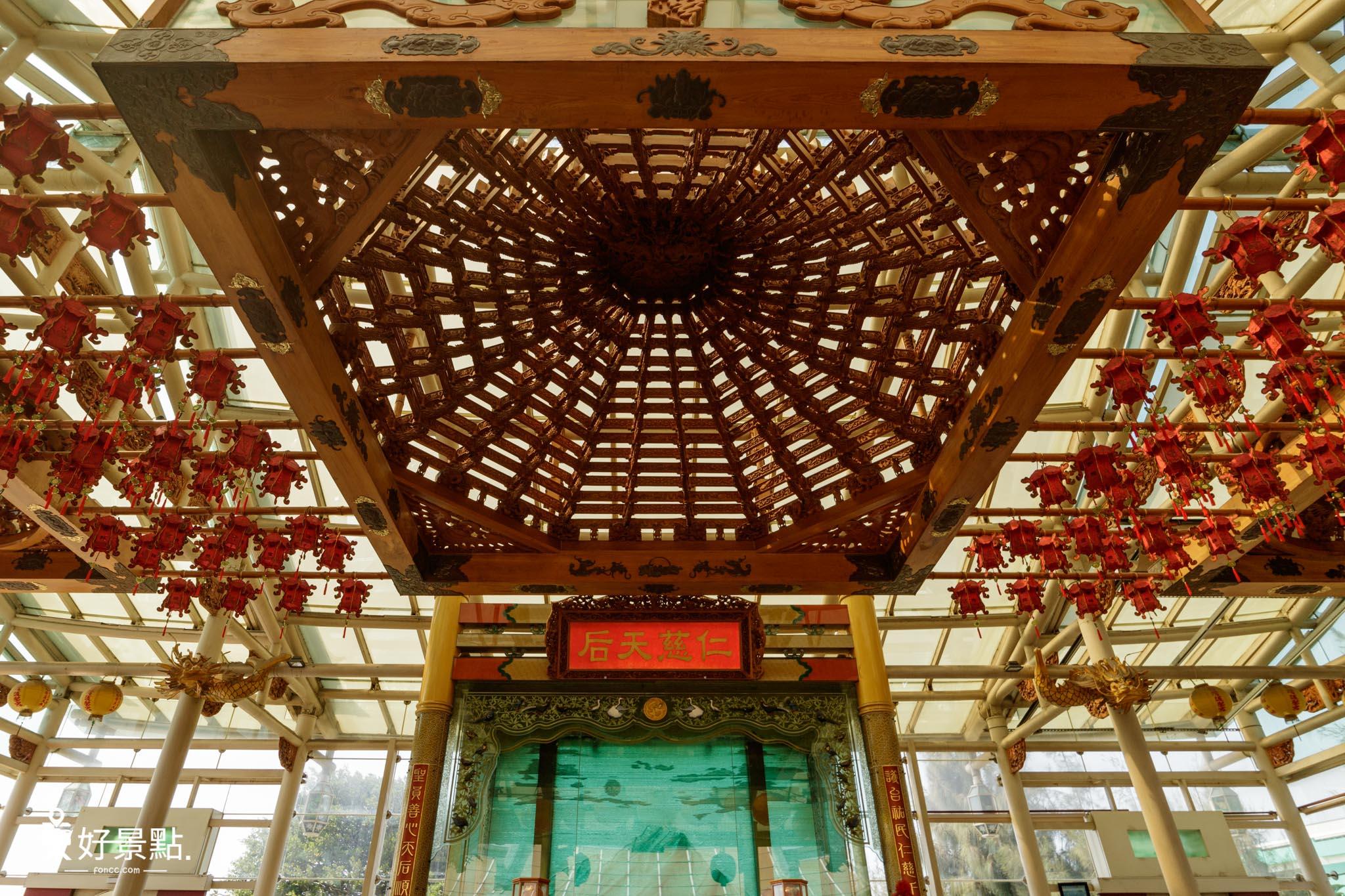 台灣護聖宮玻璃媽祖廟
