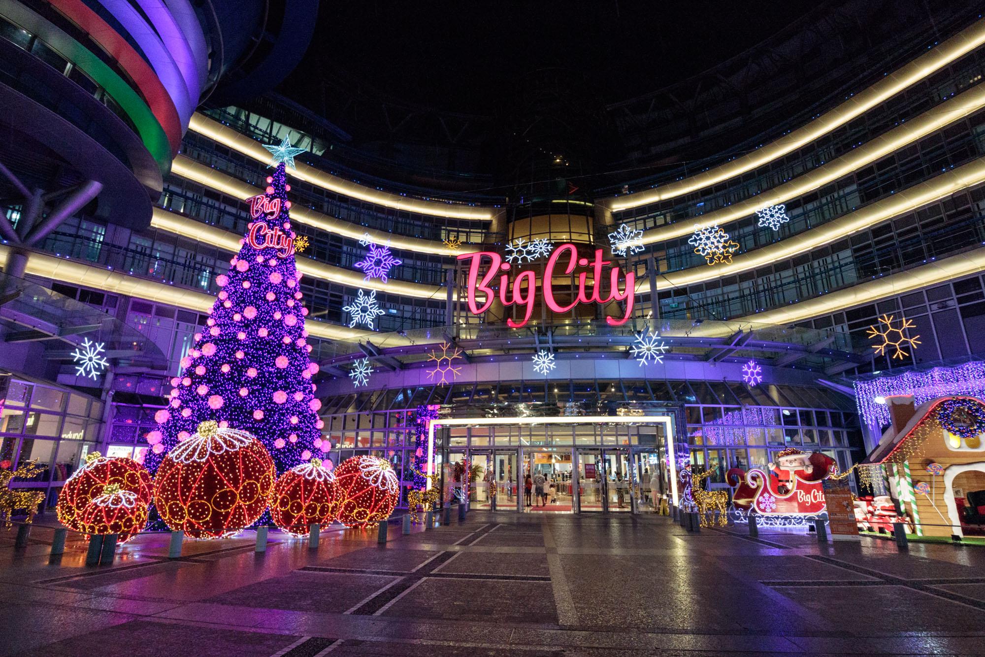 |新竹。東區|2018 Big City 巨城購物中心-15米高聖誕樹點亮!