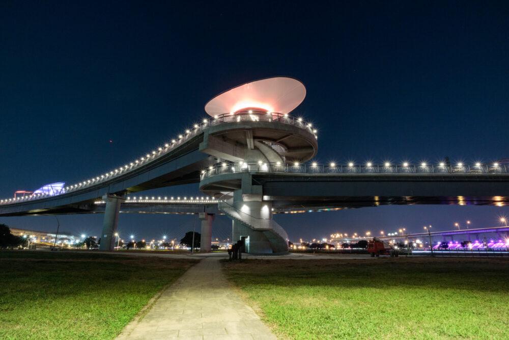 |新北。三重|大台北都會公園「辰光橋」-超美夜景星座光雕景觀橋!