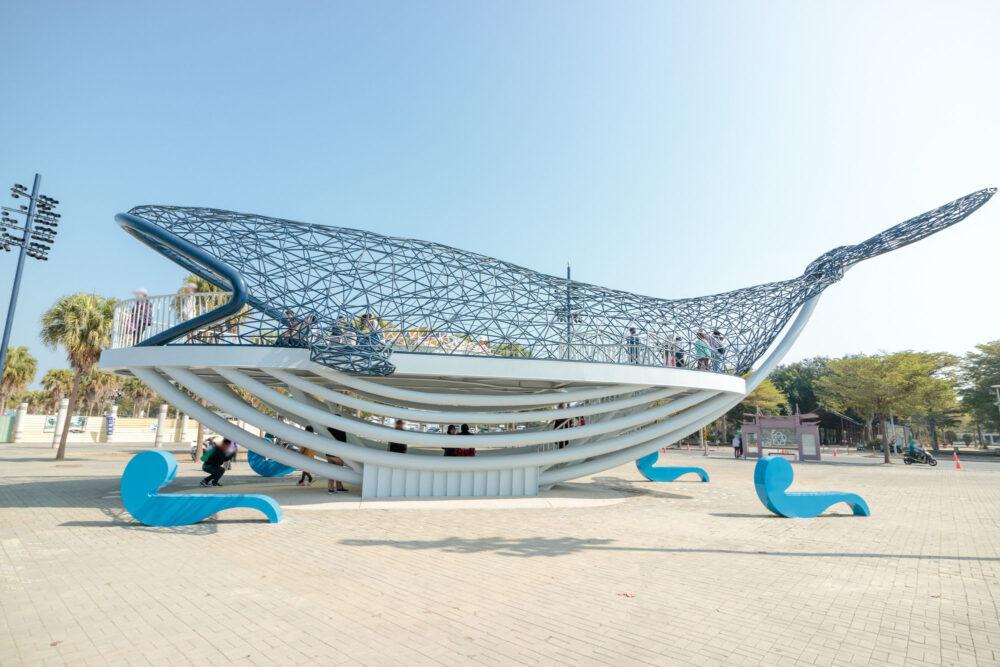 |台南。安平|「大魚的祝福」公共藝術-超大鯨魚現身安平港
